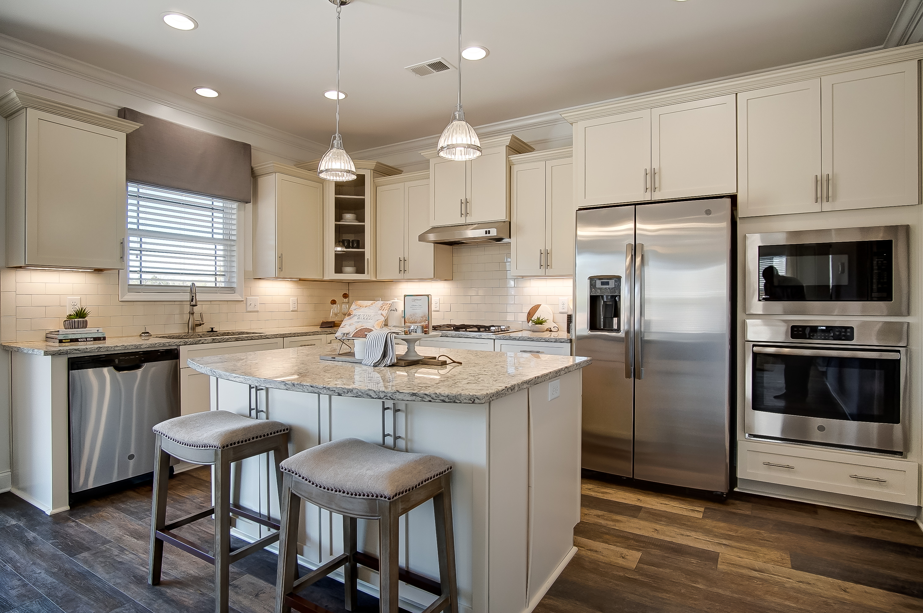 Kitchen Islands: Bar Height or Counter Height? | Eastwood Homes